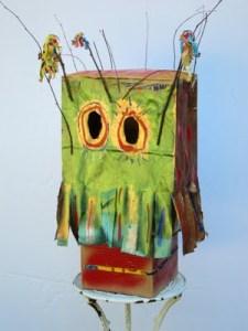 Image from http://bottlejarboxcan.blogspot.com /2011/08/paper-bag-mask_07.html