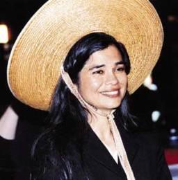 Viola Canales